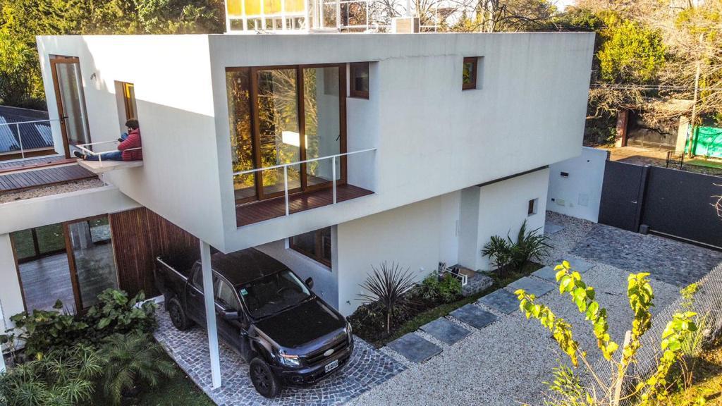 Foto Casa en Venta en  City Bell,  La Plata   466 E/ 21 y 21b-City Bell-La Plata