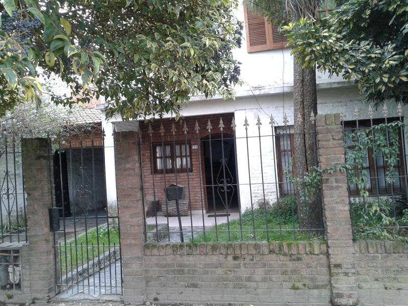 Foto Casa en Venta en  Monte Grande,  Esteban Echeverria  Bahía San Julian al 500