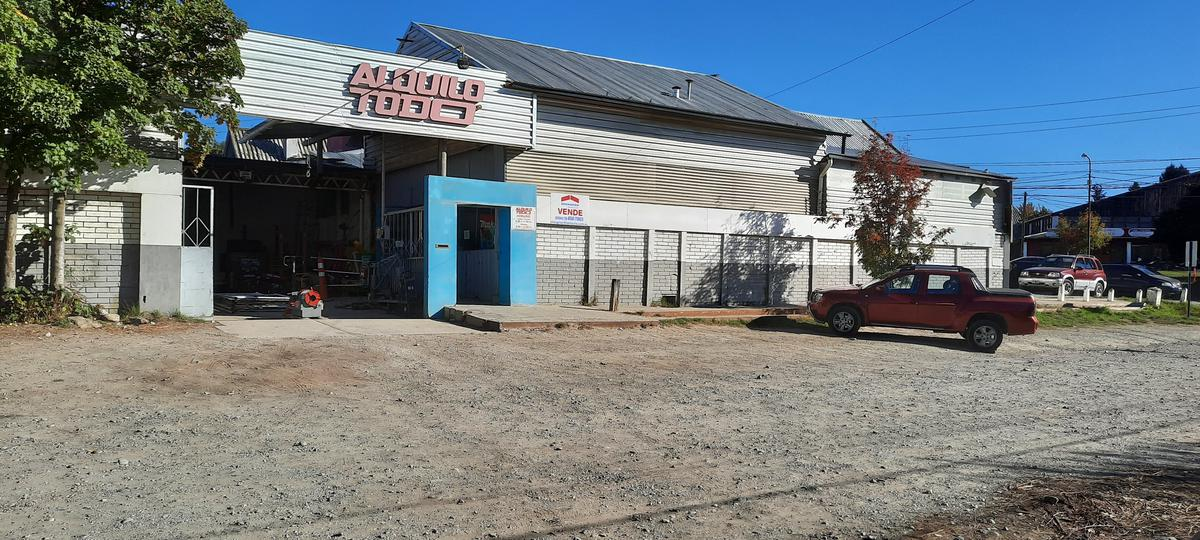 Foto Local en Venta en  Belgrano,  San Carlos De Bariloche  Castañares al 100