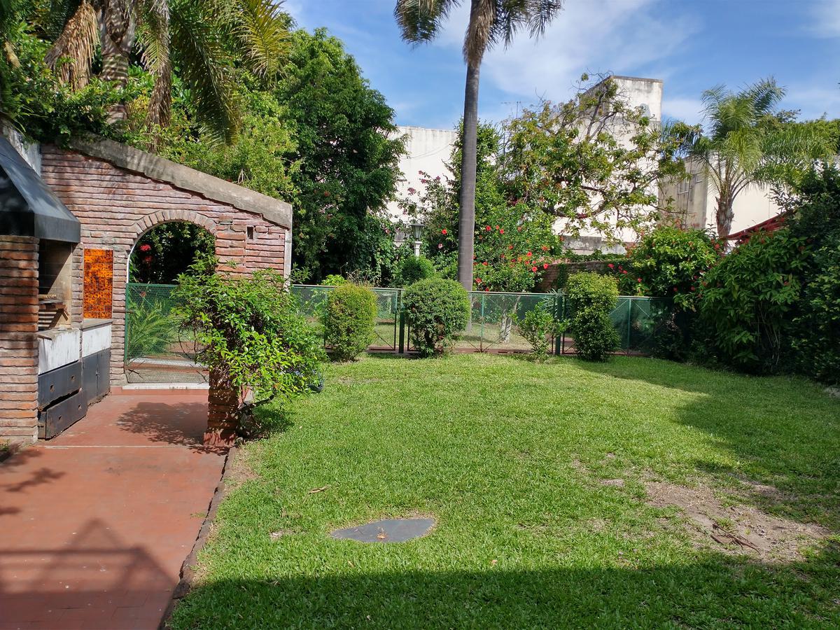 Foto Casa en Venta en  Olivos-Vias/Maipu,  Olivos  Pelliza al 600