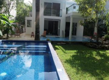 Foto Casa en Venta | Renta en  Solidaridad ,  Quintana Roo  Casa 4 recamaras Club Real Playacar en venta