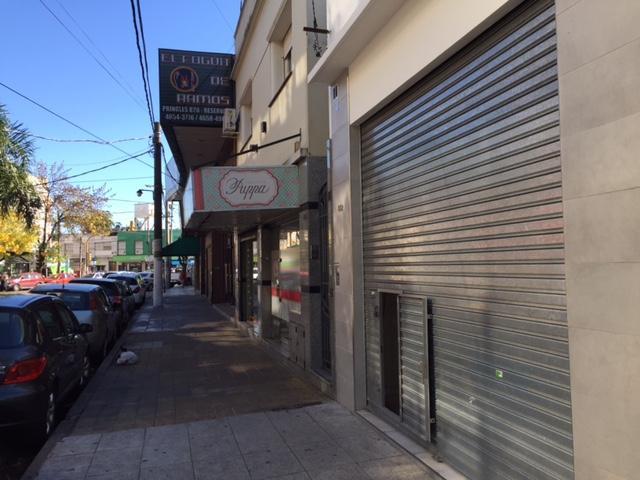 Foto Local en Venta en  Ramos Mejia,  La Matanza  Pringles 892