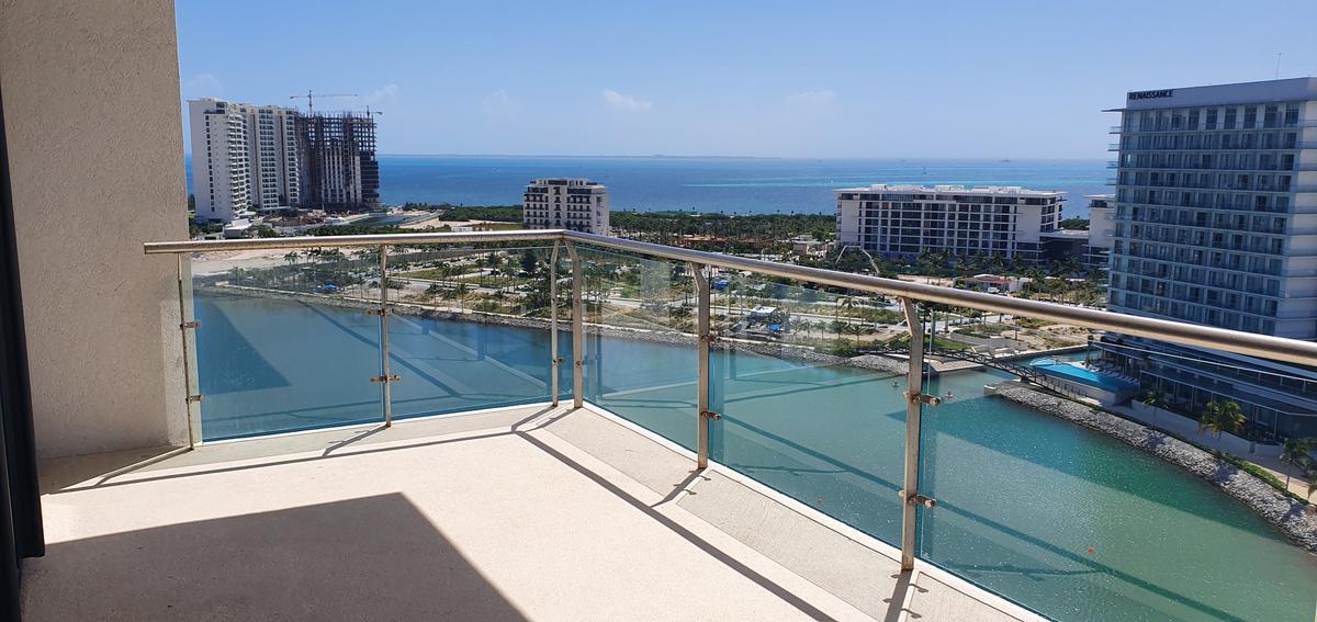 Foto Departamento en Venta en  Puerto Cancún,  Cancún  Puerto Cancún y Marina Condos. Departamento De Lujo en Renta y Venta Para Estrenar con Vista al Mar 2 Recámaras. Cancún Quintana Roo