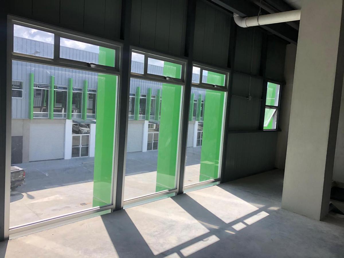 Foto Bodega Industrial en Venta | Renta en  Escazu,  Escazu  Ofibodega / Guachipelín / 4 estacionamientos