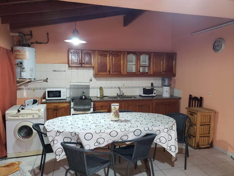 Foto Casa en Venta en  Hurlingham ,  G.B.A. Zona Oeste  ACONCAGUA  2361
