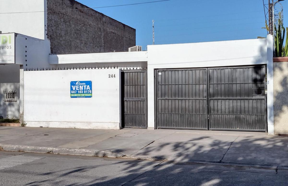 Foto Casa en Venta en  Guasave ,  Sinaloa  CASA EN VENTA EXELENTE UBICACION  Y CONDICIONES, AV. VICENTE GUERRERO, EN EL MERO CENTRO DE GUASAVE