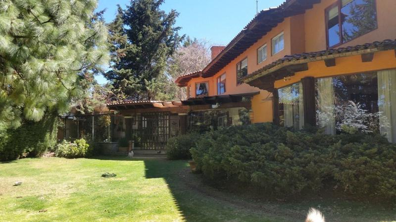 Foto Casa en Venta en  Chimaliapan,  Ocoyoacac  HERMOSA RESIDENCIA EN VENTA EN FRACCIONAMIENTO CHIMALIAPAN SBR 1129