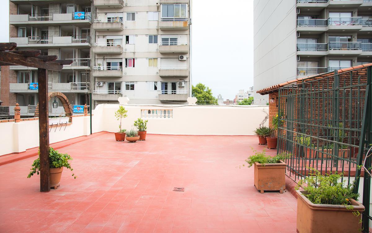 Foto Casa en Venta en  Macrocentro,  Rosario  Santa Fe al 2300