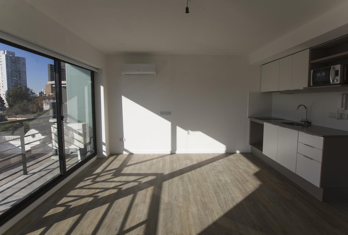 Foto Apartamento en Alquiler en  Parque Rodó ,  Montevideo  Bulevar Artigas al 1100