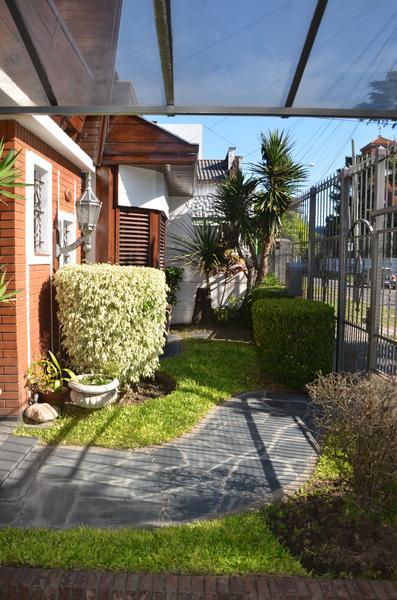 Foto Casa en Venta en  Lomas de Zamora Oeste,  Lomas De Zamora  Bolivar Nº al 800