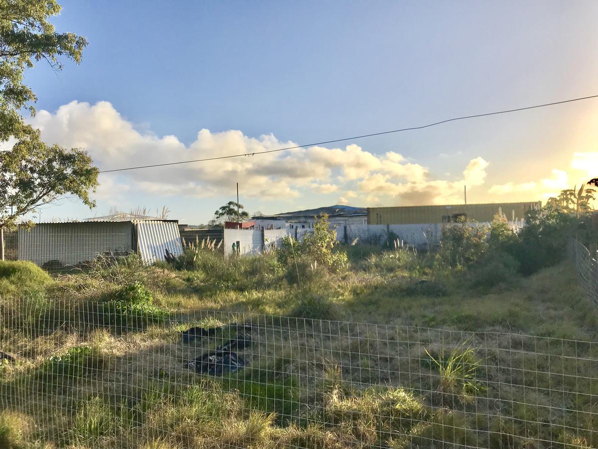 Foto Terreno en Venta en  La Barra ,  Maldonado  Contra frente al Arroyo