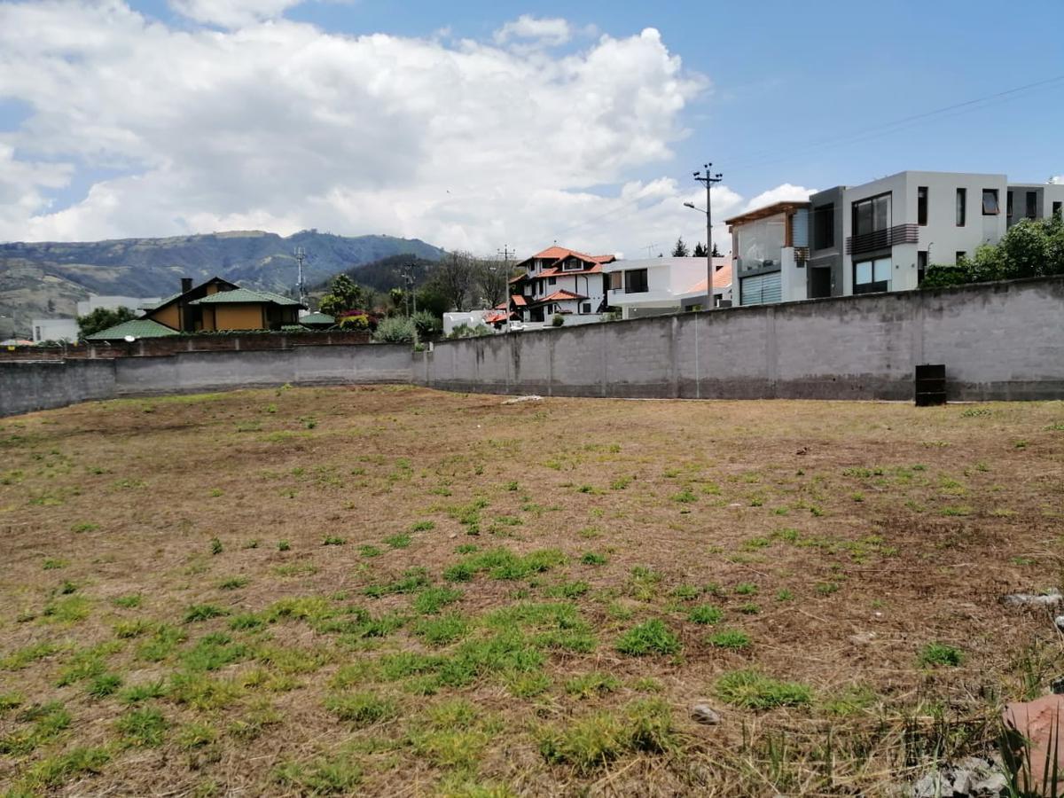 Foto Terreno en Venta en  Cumbayá,  Quito  Espectacular terreno de oportunidad