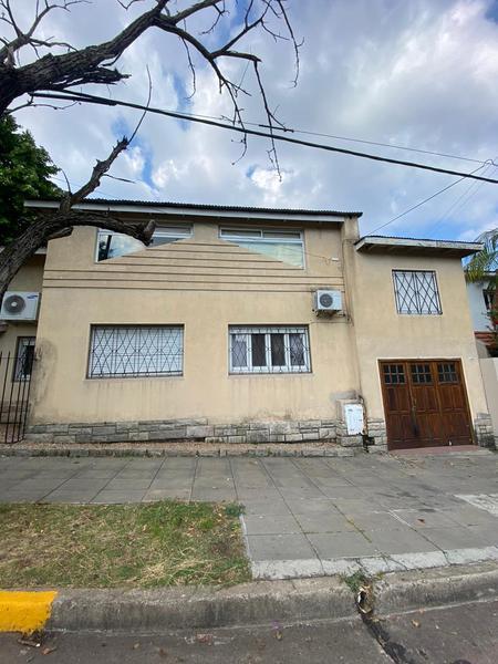 Foto Casa en Venta en  La Lucila,  Vicente López  Debenedetti al 1000