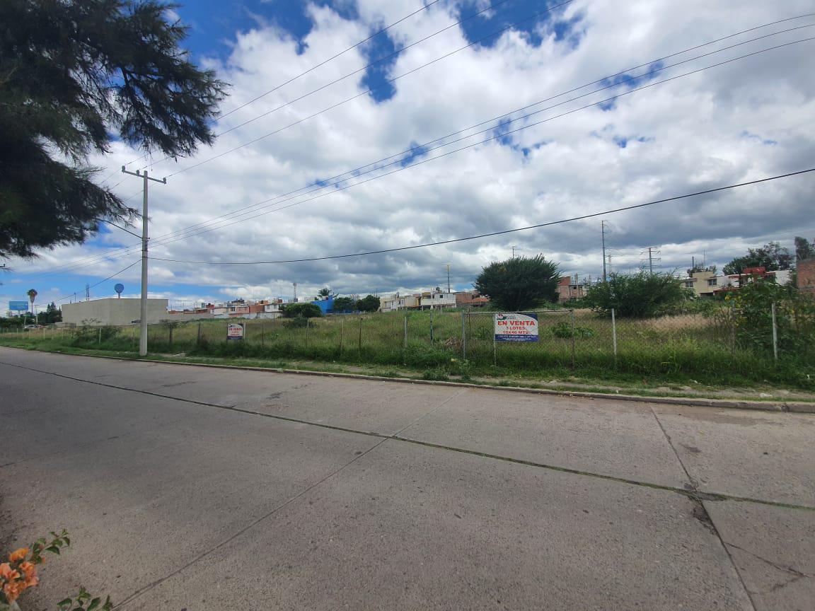 Foto Terreno en Venta en  Las Reynas,  Salamanca  LOTE TERRENO COMERCIAL EN VENTA EN  LAS REYNAS, SALAMANCA, GTO.