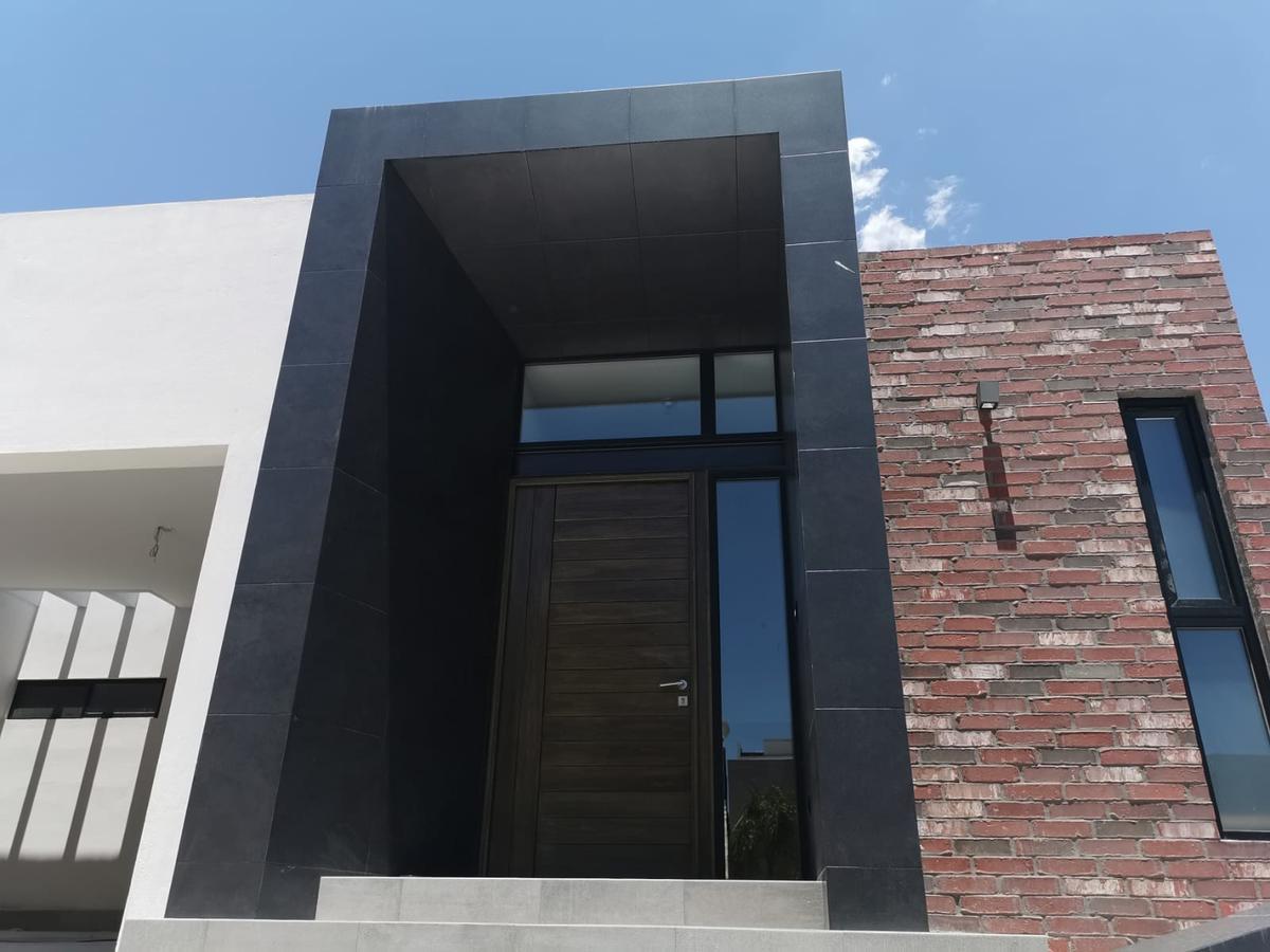 Foto Casa en Venta en  Chihuahua ,  Chihuahua  CANTERA DEL PEDREGAL , ESTRENE RESIDENCIA DE UNA PLANTA, LUJOSOS ACABADOS, EQUIPADA.