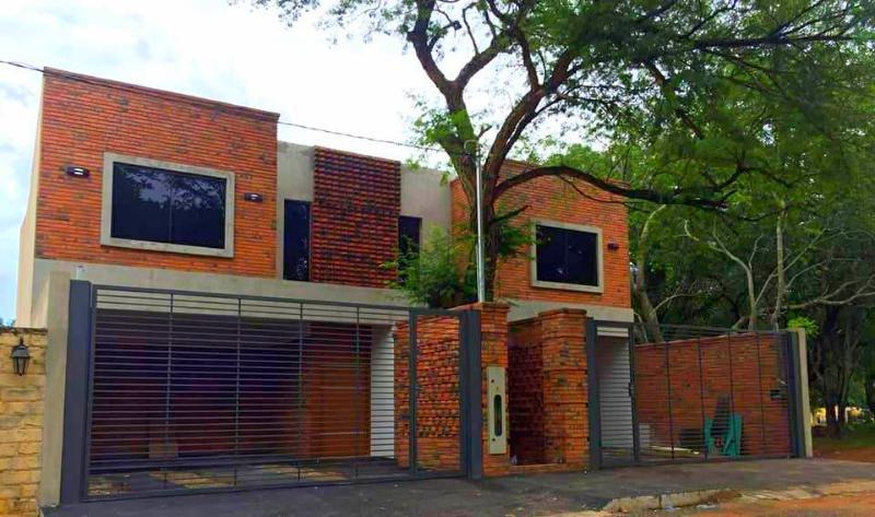 Foto Casa en Alquiler en  Luque,  Luque  Zona Boulevard Confederación, Cuarto Barrio