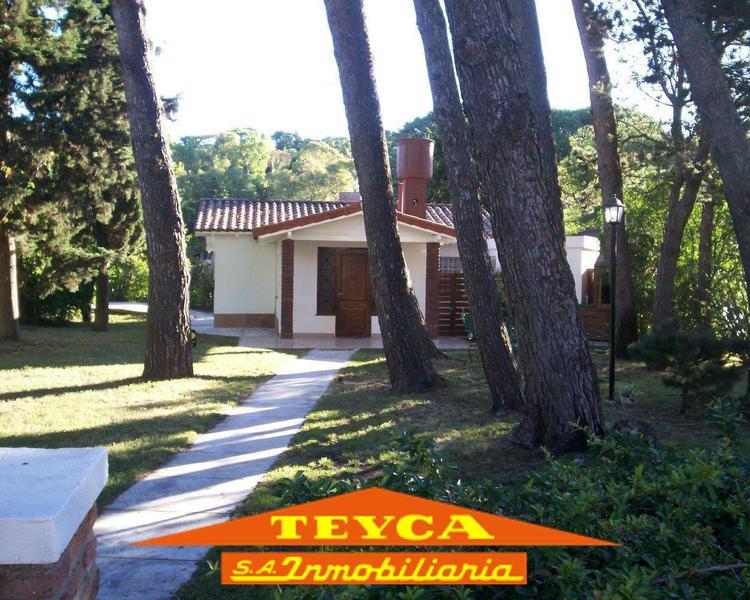 Foto Casa en Venta en  Centro,  Pinamar  Tuyu 668 Esq. Robinson Crusoe