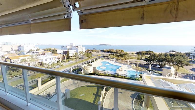 Foto Departamento en Venta en  Playa Mansa,  Punta del Este  Oportunidad en LE JARDIN Punta del Este