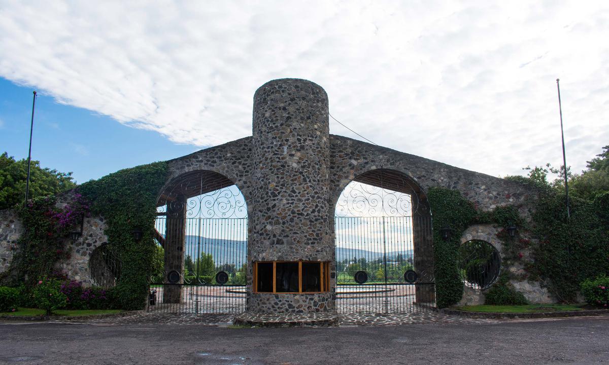 Foto Terreno en Venta en  Contepec ,  Michoacán  Terreno en VENTA, en el Fraccionamiento Club de Golf Hacienda Cantalagua, Contepec, Michoacán