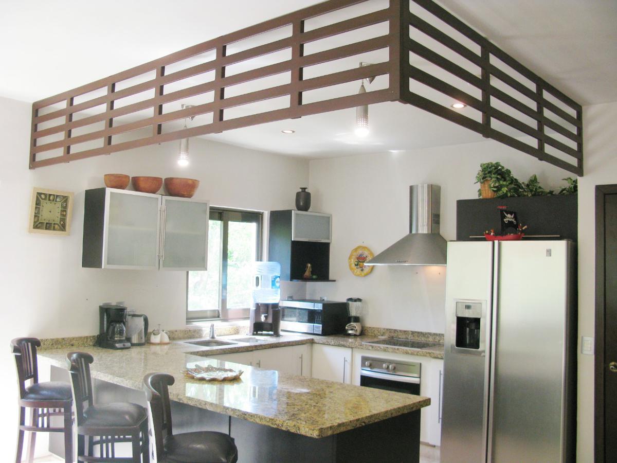 Playa del Carmen Apartment for Sale scene image 9