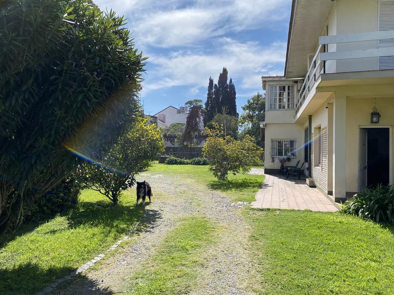 Foto Casa en Venta en  Jose Marmol,  Almirante Brown  Jacinto Calvo  al 700