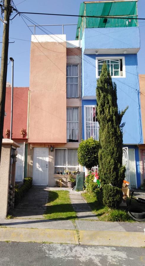 Foto Casa en Venta en  Toluca ,  Edo. de México  CASA EN VENTA EN LOS HEROES III