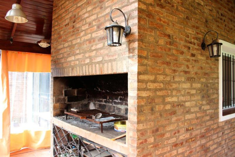Foto Casa en Venta en  Funes ,  Santa Fe  La Taba 2565
