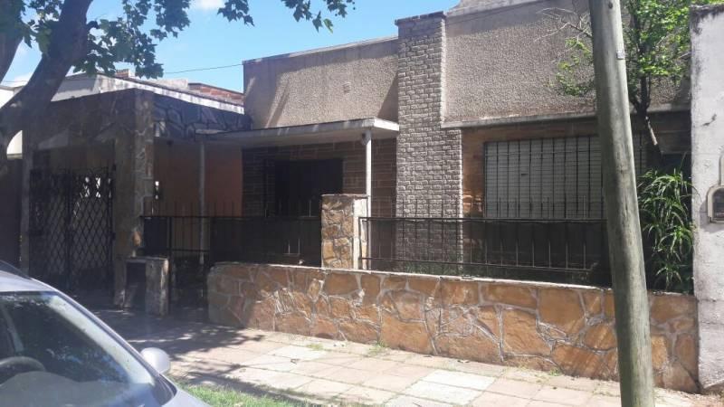 Foto Casa en Venta en  Boulogne,  San Isidro  Godoy cruz al 1400