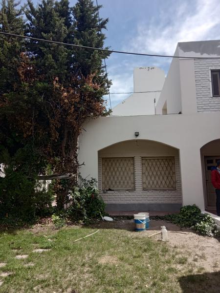 Foto Casa en Alquiler en  Confluencia ,  Neuquen  Av del trabajador y Fotheringam