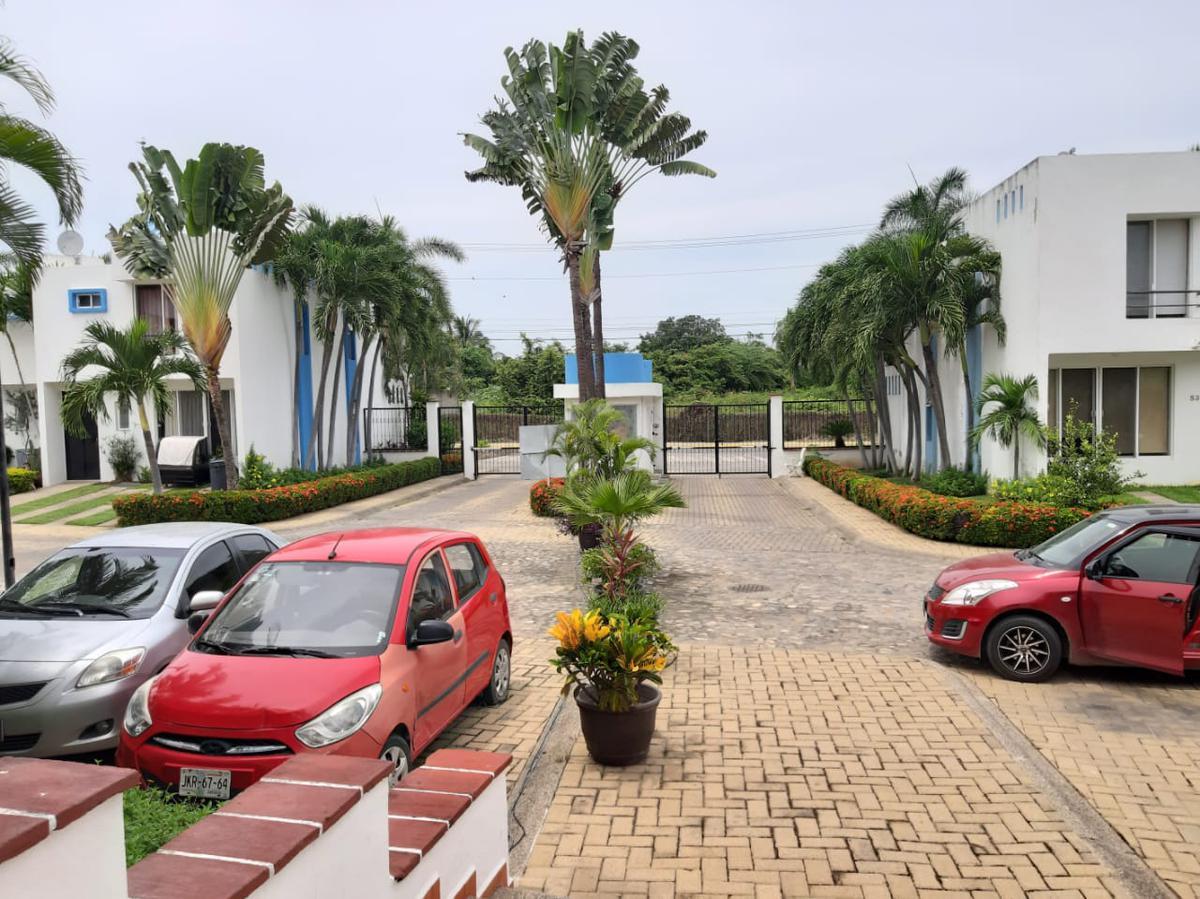Foto Casa en Venta |  en  Fraccionamiento Rincón del Cielo,  Bahía de Banderas   CASA EN RINCON DEL CIELO FRENTE A CASA CLUB