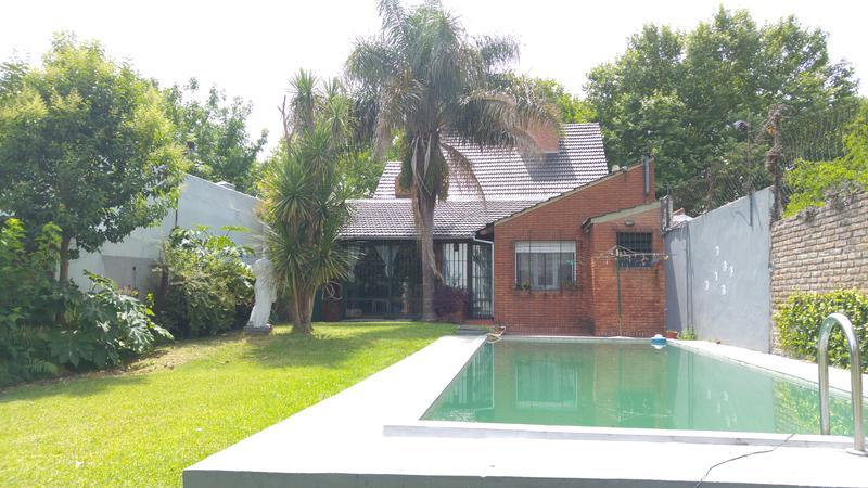 Foto Casa en Venta en  Moron Sur,  Moron  Sucre al 800
