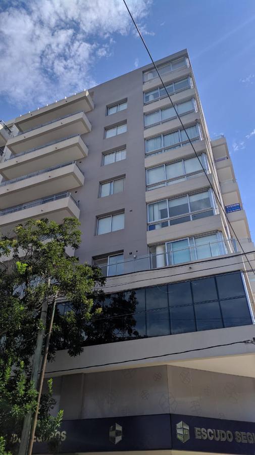 Foto Departamento en Venta en  La Plata,  La Plata  12 esq 38