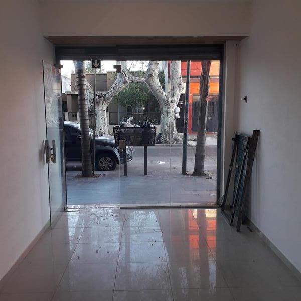 Foto Local en Venta en  Villa Ballester,  General San Martin  Pueyrredon al 2100