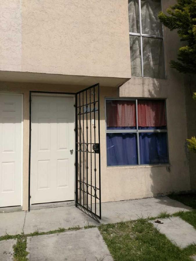 Foto Casa en Renta |  en  La Loma,  Zinacantepec  Casa en Renta en 4ta. Cerrada de Loma Linda, Fracc. La Loma I, Zinacantepec  C.P. 51355