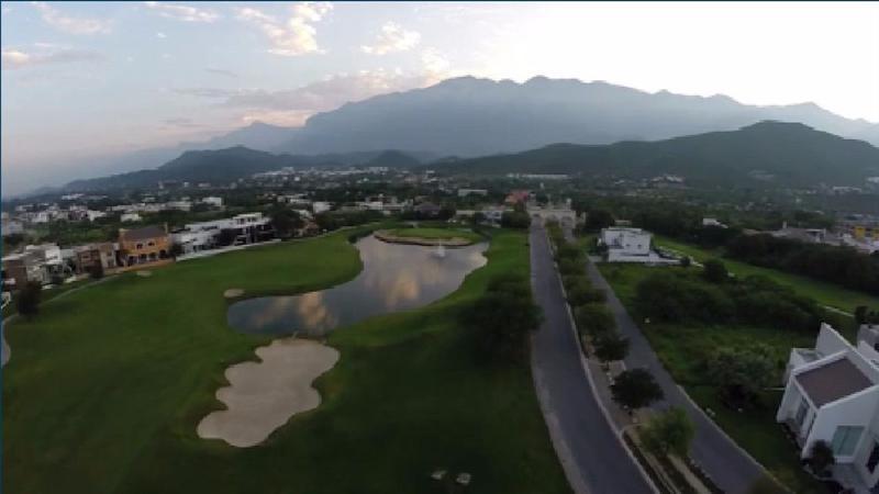 Foto Terreno en Venta en  Residencial y Club de Golf la Herradura Etapa B,  Monterrey  TERRENO EN VENTA FRACC RESIDENCIAL CLUB DE GOLF LA HERRADURA CARRETERA NACIONAL MONTERREY N L $7,058,880