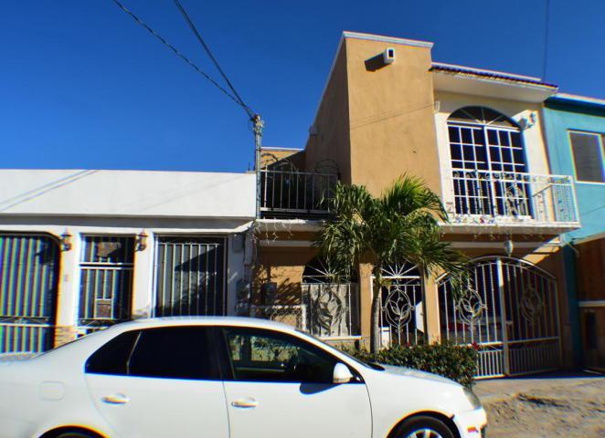 Foto Casa en Venta en  Puesta del Sol,  La Paz  Puesta del Sol