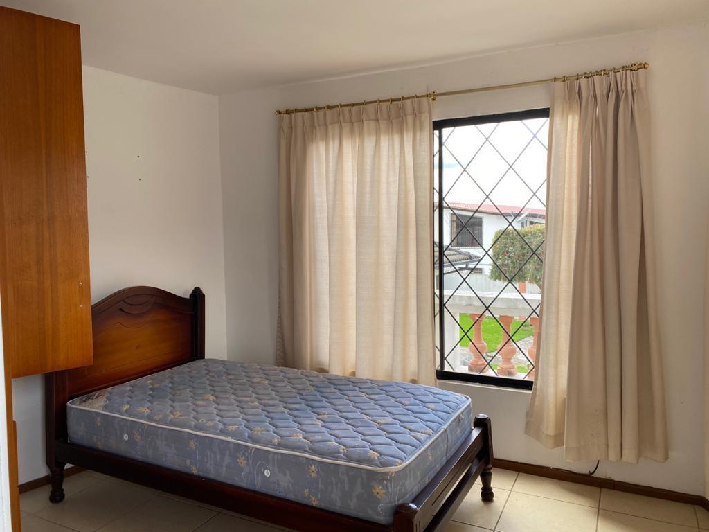 Foto Departamento en Alquiler en  Cumbayá,  Quito  SUITE DE RENTA IDEAL ESTUDIANTES