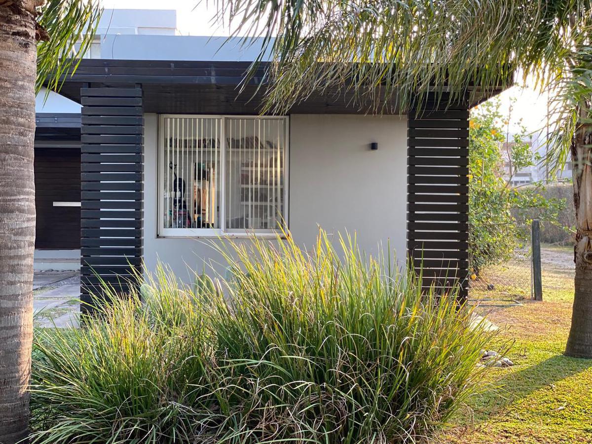 Casa tres dormitorios Funes Hills Cadaques