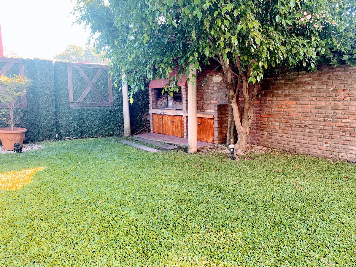 Foto Casa en Alquiler temporario en  Las Lomas-Jockey,  Las Lomas de San Isidro  Camacua 70