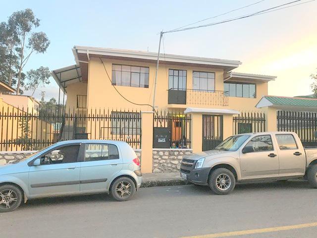 Foto Casa en Venta en  Cuenca ,  Azuay  Cdla. Kennedy
