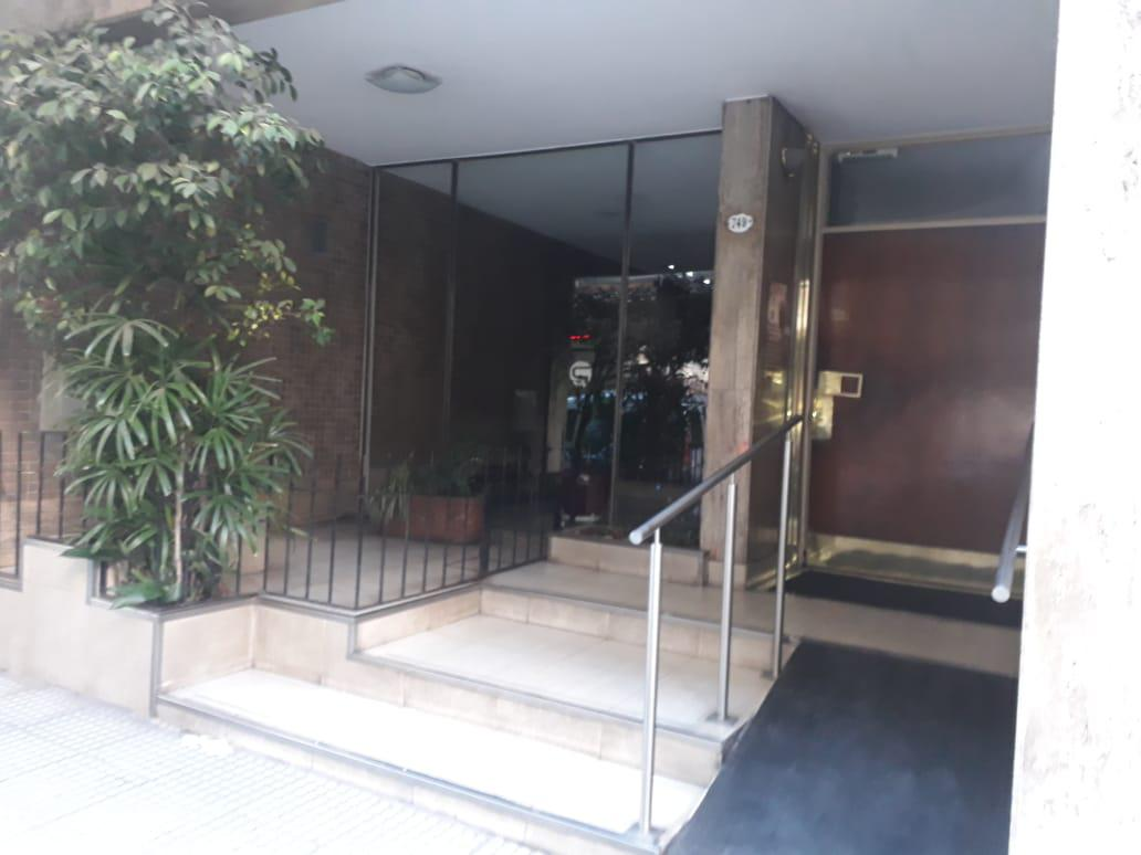 Foto Departamento en Alquiler en  Almagro ,  Capital Federal  Yatay al 700