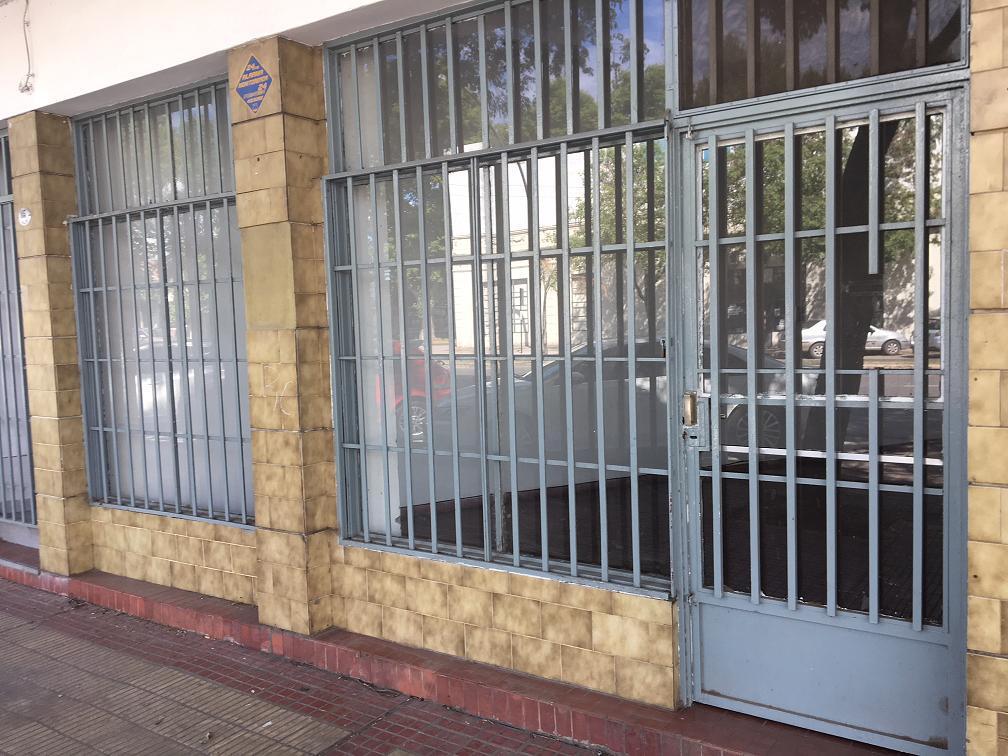 Foto Local en Alquiler en  Arroyito,  Rosario  Av. Alberdi al 100