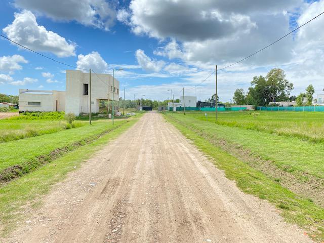 Foto Terreno en Venta en  La Plata ,  G.B.A. Zona Sur  31 entre 477 y 480