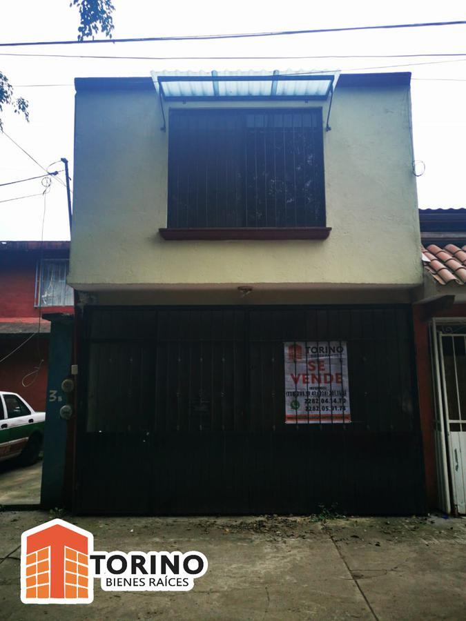 Foto Casa en Venta en  Xalapa ,  Veracruz  CASA EN COL. LOMAS VERDES SUPER UBICADA. FRENTE AL OXXO