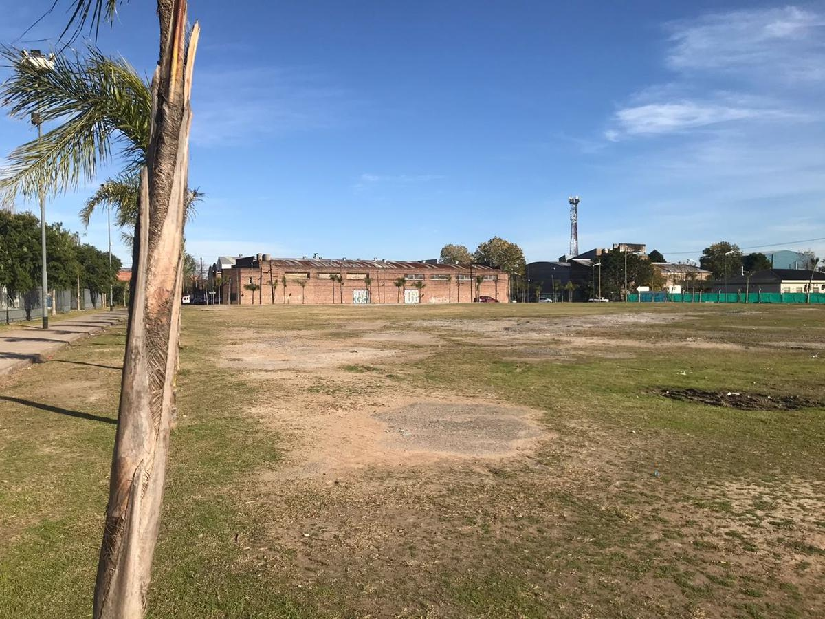 Foto Terreno en Venta en  S.Fer.-Vias/Centro,  San Fernando  Sarmiento 2500