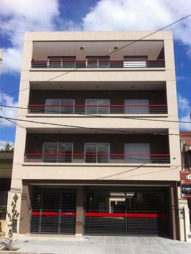 Foto Departamento en Venta en  Lomas de Zamora Oeste,  Lomas De Zamora  Loria 700
