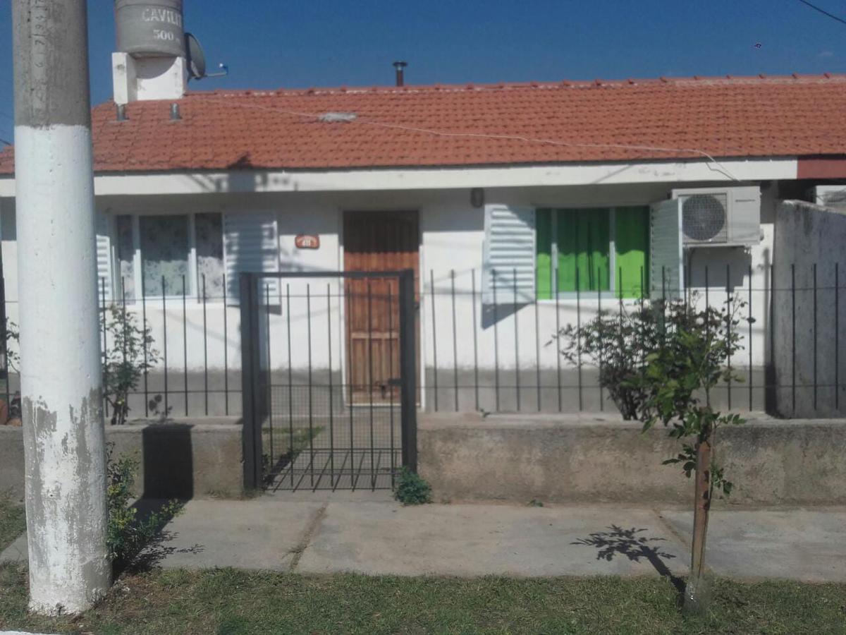 Foto Casa en Venta | Alquiler en  Villa Larca,  Chacabuco  VENDO  CASA DE 2 DORM  EN VILLA LARCA SAN LUIS