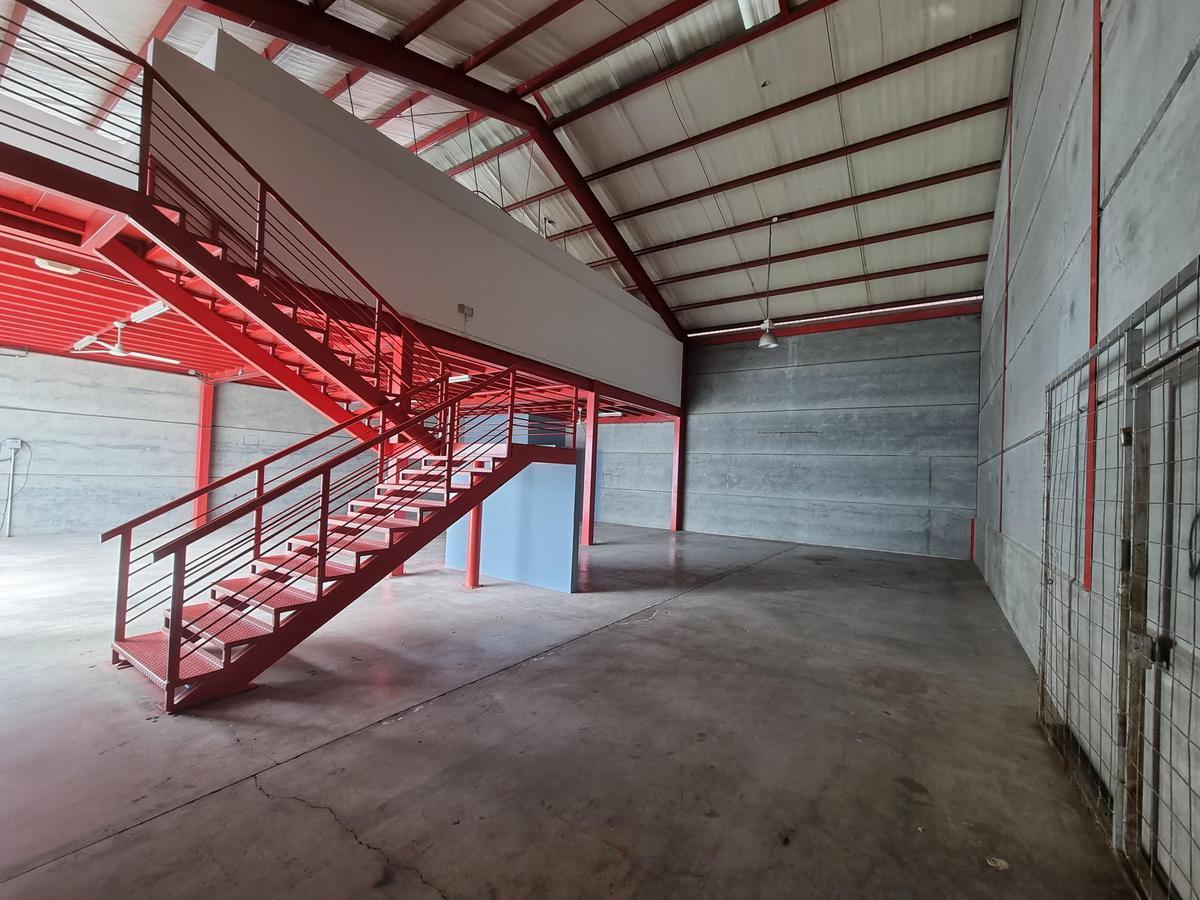 Foto Bodega Industrial en Venta en  Escazu ,  San José  OFIBODEGA/ 5 oficinas/ con 5 parqueos disponibles