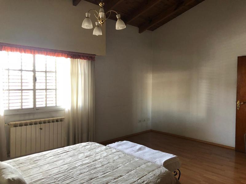 Foto Casa en Venta en  General Roca,  General Roca  LA PAMPA 1300