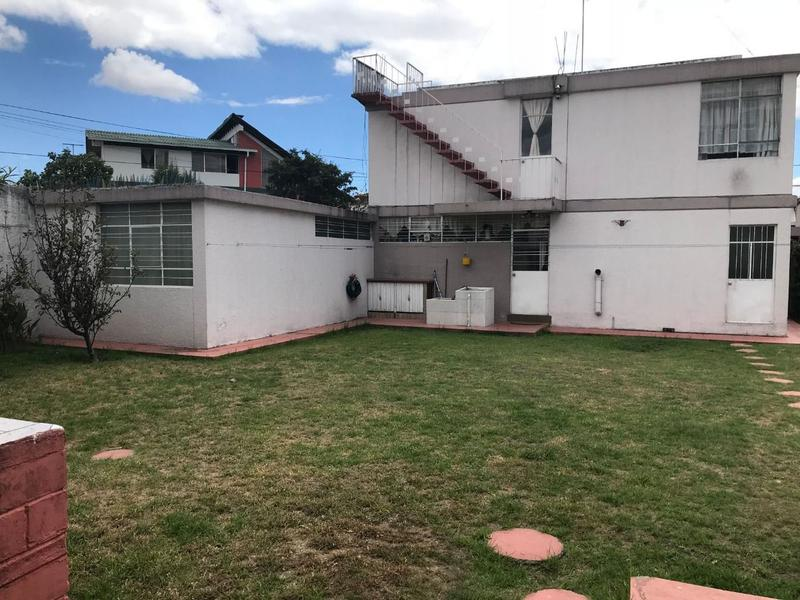 Foto Terreno en Venta en  Norte de Quito,  Quito  Excelente terreno de 560 mts. Sector Jipijapa $365.000,00JM